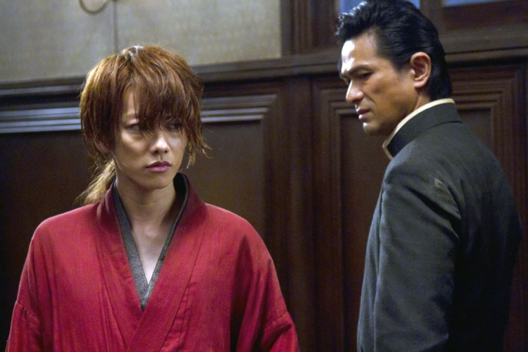 緋村剣心(左)と斎藤一