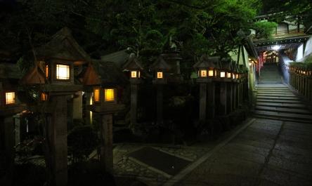 夜の境内1