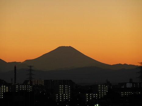 夕焼け富士のシルエット