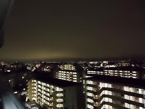 夜半東の灯り
