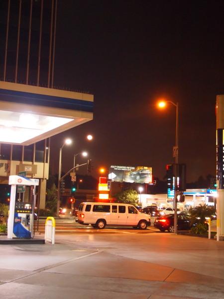 ロサンゼルスのホテル近くで (C)表参道・青山・原宿・外苑前・渋谷・東京都内・源保堂鍼灸院 肩こり・腰痛・生理痛・頭痛など