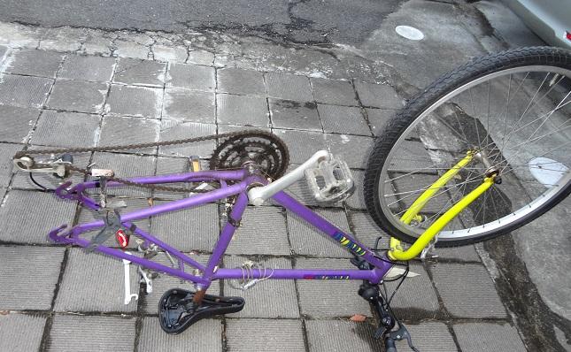 タイヤの外れた