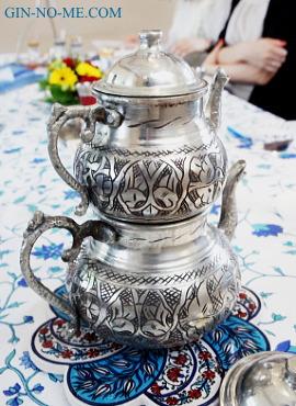 トルコの紅茶道具 2段式ポット チャイダンルック