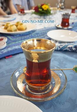 トルコのチャイグラス チャイ・バルダウ