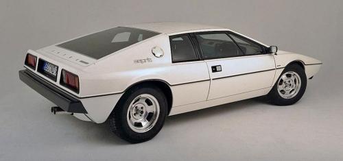 1976-Lotus-Espirt-S1-rear_01