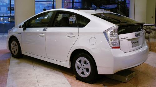 2009_Toyota_Prius_02
