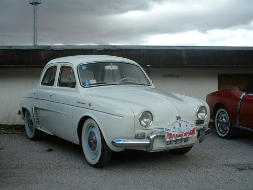 Renault-Dauphine_01