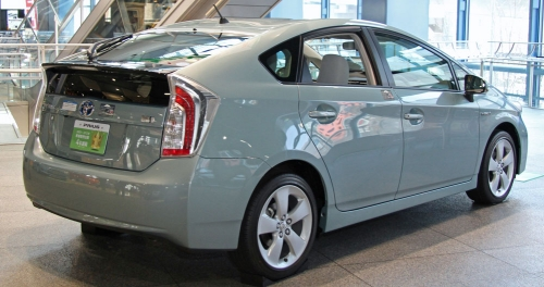 Toyota_Prius_S_'Touring_Selection'_rear