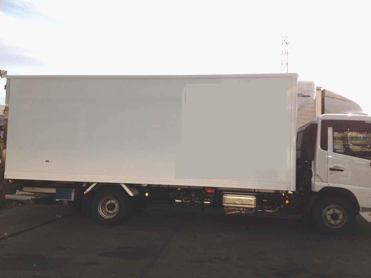 冷凍覆面車UDコンドル側面