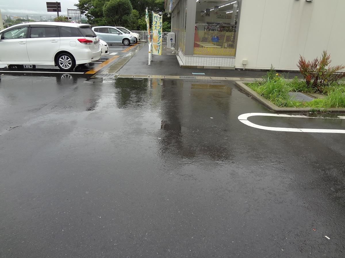 朝、御殿場の雨