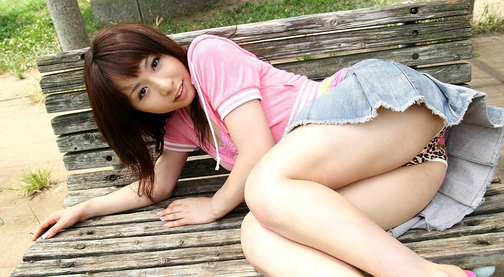 新井エリーのグラビア写真