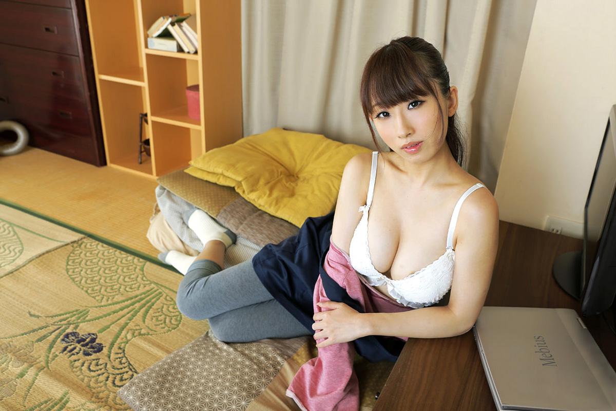 【No.18645】 谷間 / 美咲結衣