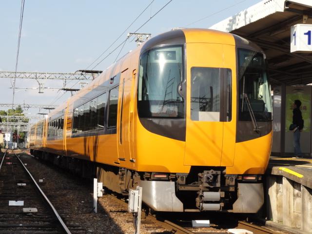 京都線特急。
