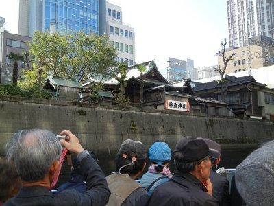 船から見る柳森神社