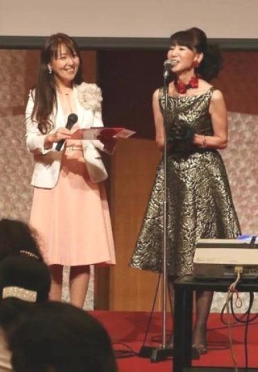 玉岡さんとステージ - コピー - コピー
