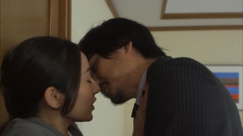 ドラマ「素敵な選TAXI」、木村文乃と中村俊介のキスシーン