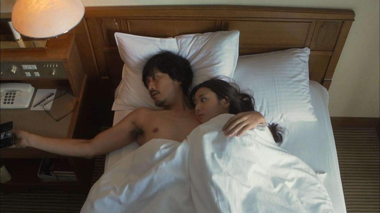 ドラマ「素敵な選TAXI」、木村文乃と中村俊介のエロシーン