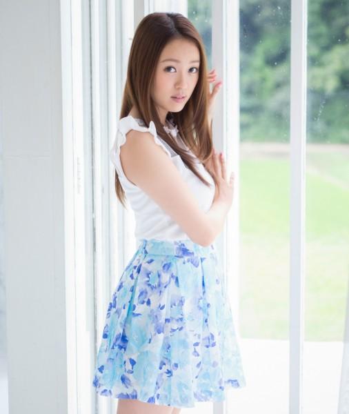 元AKB48の米沢瑠美