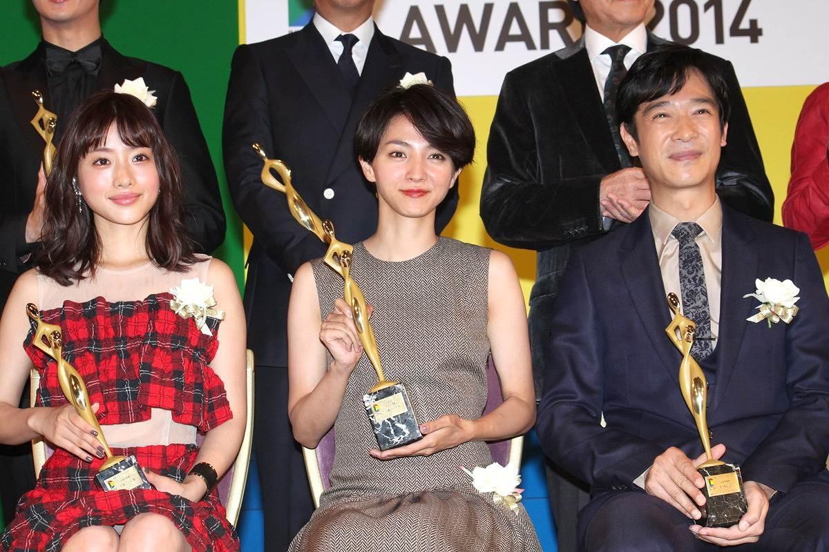 東京ドラマアウォード2014を受賞した石原さとみ、満島ひかり、堺雅人 石原さとみがパンチラ