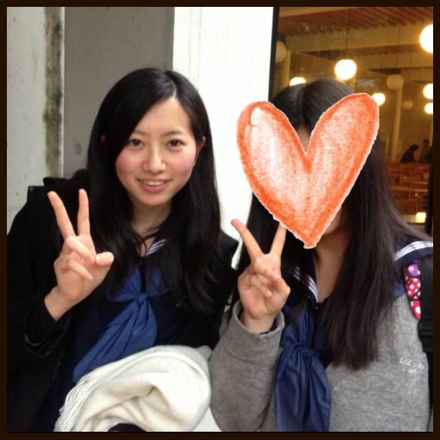 高校卒業式、黒髪の藤澤季美歌さん