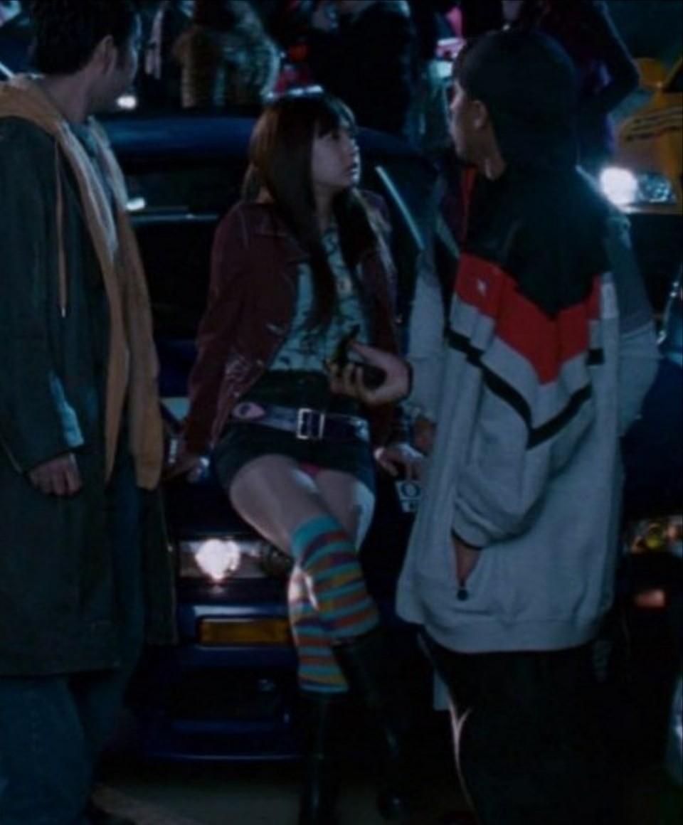 映画「ワイルドスピード」でパンチラする北川景子