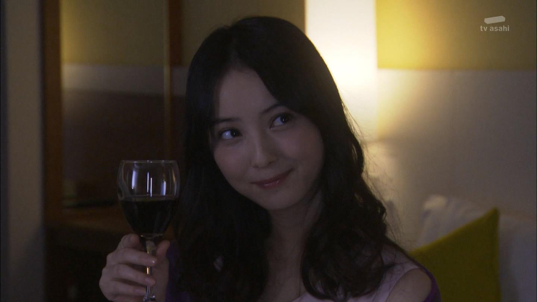 ドラマ「黒服物語」の佐々木希