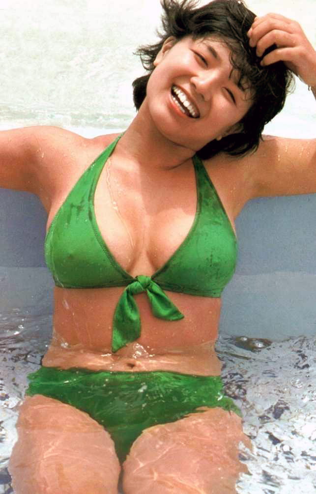 榊原郁恵の水着姿