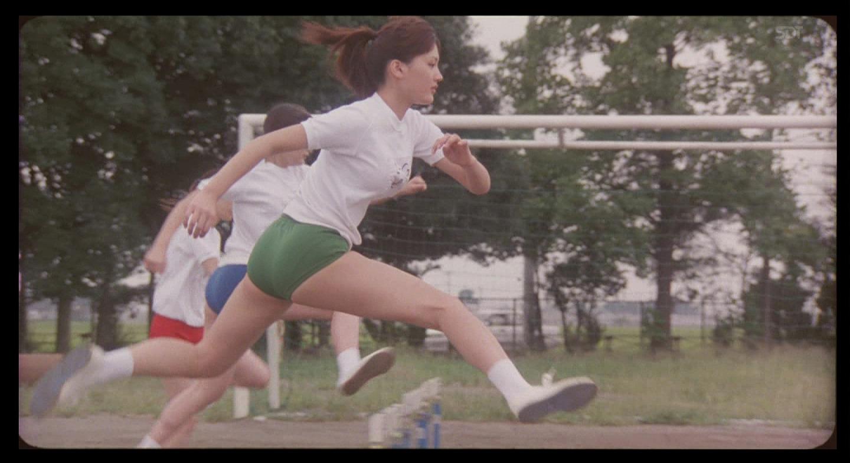 映画「Jam Films」の「JUSTICE」、ブルマ姿でハードルを飛ぶ綾瀬はるか
