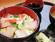 日本海荒磯ぶり丼
