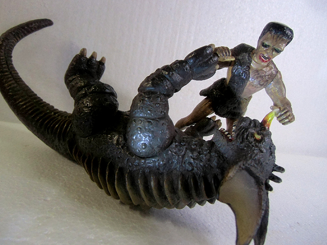 人食い怪獣を倒せ