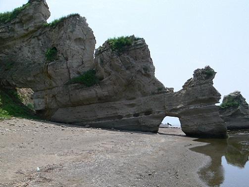 乙部町の岩くぐり