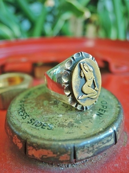 ROAD Pin Up Girl Ring (1)