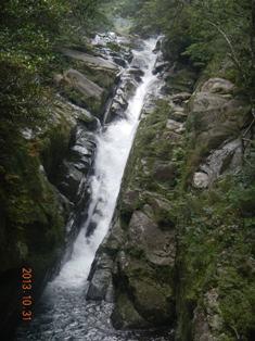 白谷雲水峡の飛流落しの滝