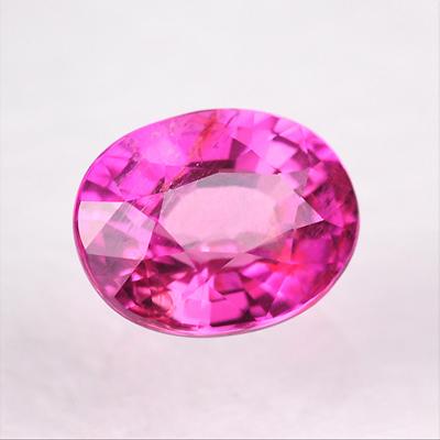 桜のようなピンクが美しい非加熱ピンクサファイアルース2.068ct