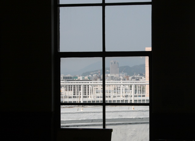 IMG_5703 窓から爆心方向 W