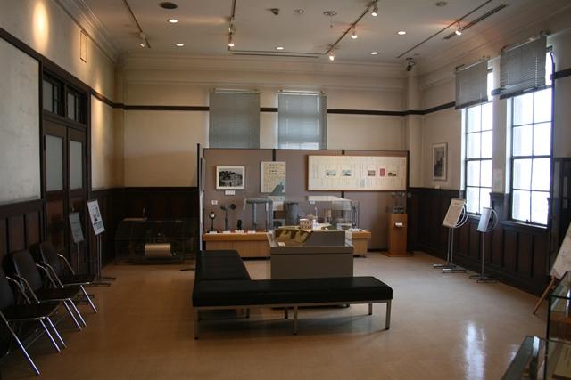 IMG_5708 原爆被害の残る部屋 W