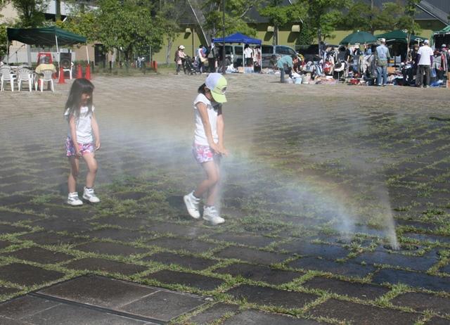 IMG_6115 虹と女の子たち W