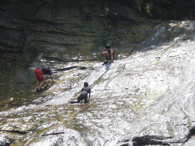 滝上の子供たち