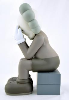 kaws-passing-through-05.jpg