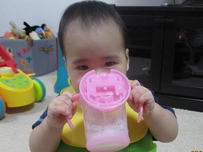 真顔でミルク