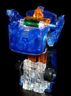 オートボット スパイチェンジャー ホイスト ロボットモード