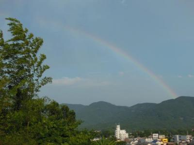 竹と七色の虹の七夕祭り