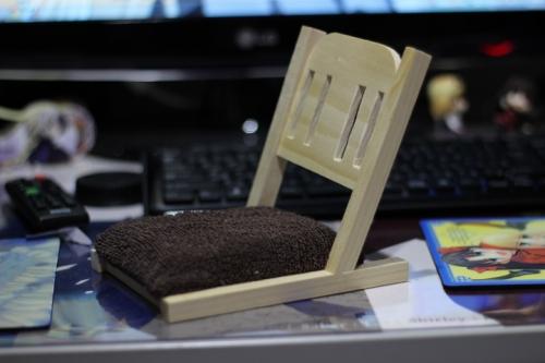 座椅子12