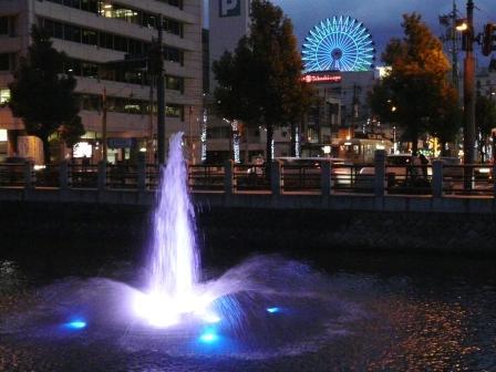 お堀の噴水のライトアップ 3