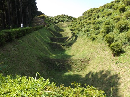 山中城西の丸畝堀