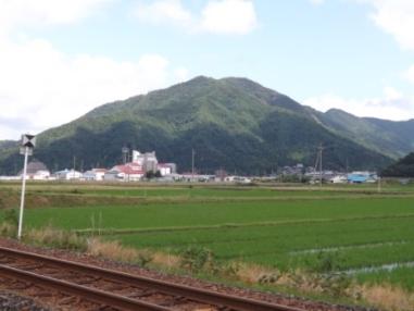 箱ヶ岳城遠望(上中駅から)002