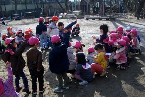 2007-08-18 25年度1月組当番、佐倉南高校学生記念写真 010 (800x536)