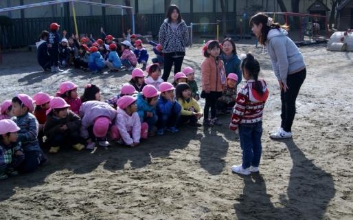 2007-08-18 25年度1月組当番、佐倉南高校学生記念写真 012 (800x498)