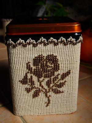 紅茶缶-ばら