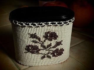 紅茶缶-三つばら